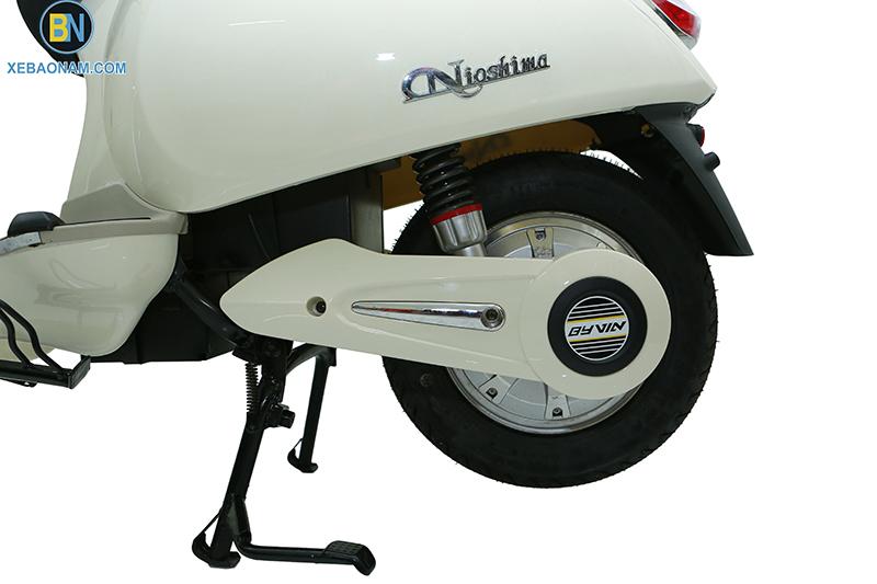 Xe máy điện Vespa Nioshima có tem - logo chính hãng