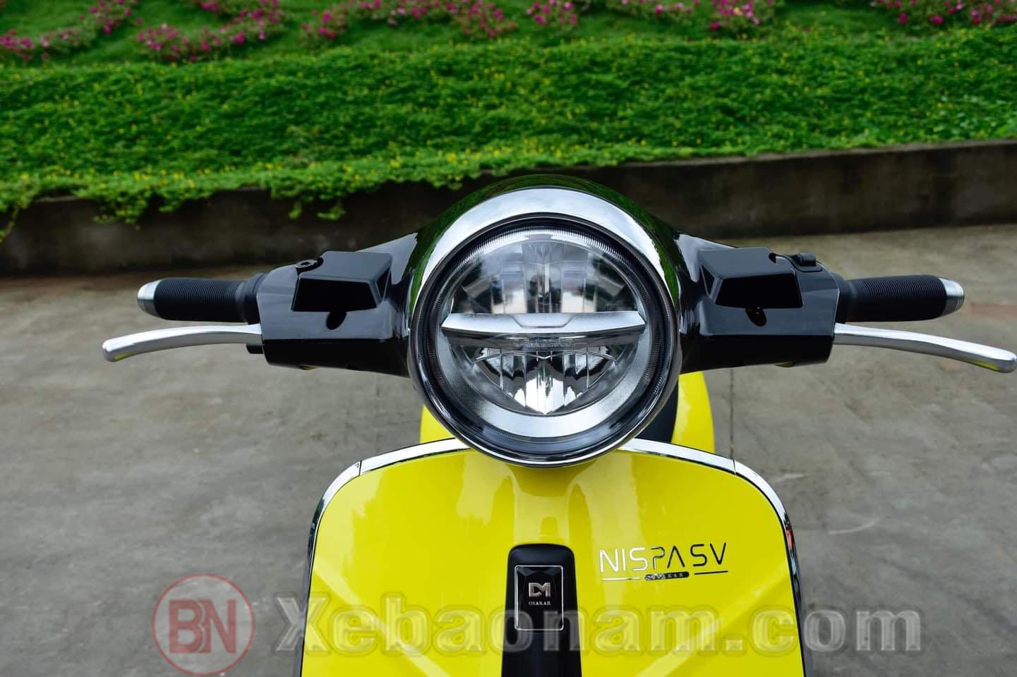 Để chân Xe máy điện Osakar One Nispa với khoảng cách phù hợp