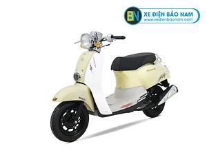 Xe ga 50cc Crea Scoopy màu vàng kem