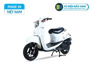 Xe ga 50cc Scoopy màu trắng yếm trắng
