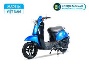 Xe ga 50cc Scoopy màu xanh lam yếm đen