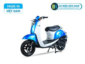 Xe ga 50cc Scoopy màu xanh lam yếm trắng