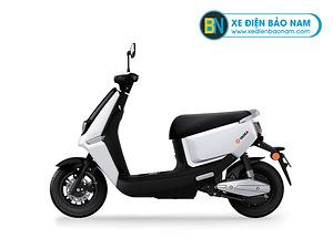Xe máy điện Yadea Ulike màu trắng