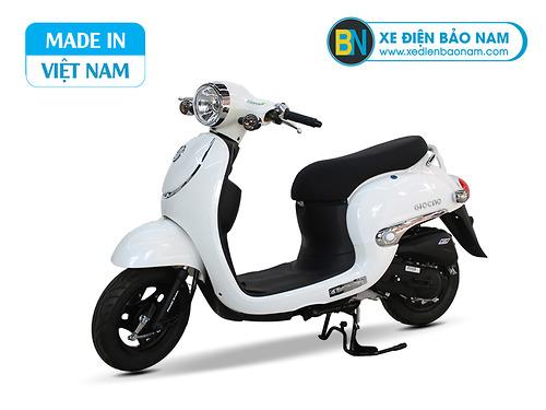 Xe ga 50cc Giorno tem nổi màu trắng