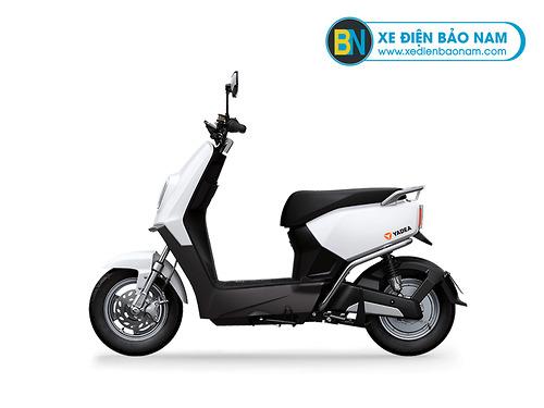 Xe máy điện Yadea E3 màu trắng