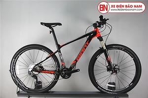 Xe đạp GIANT XTC 820 màu đen đỏ