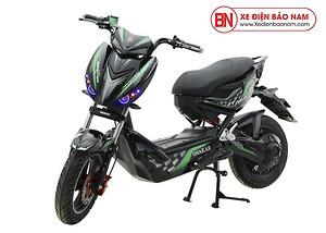 Xe máy điện Xmen Hunter Osakar màu đen tem xanh lá