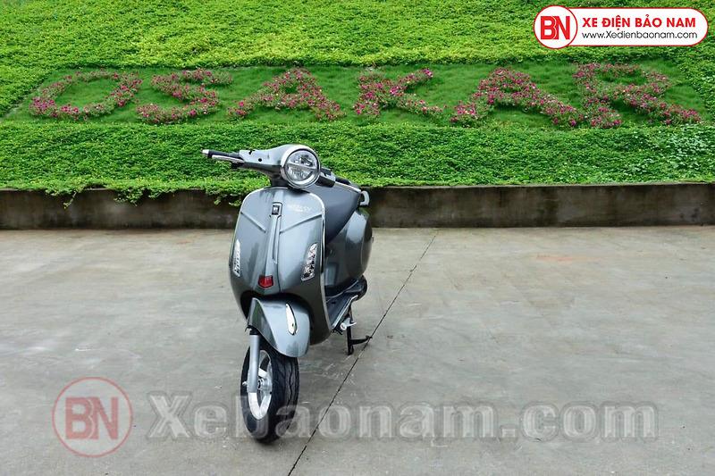 Xe máy điện Nispa SV Osakar màu xám